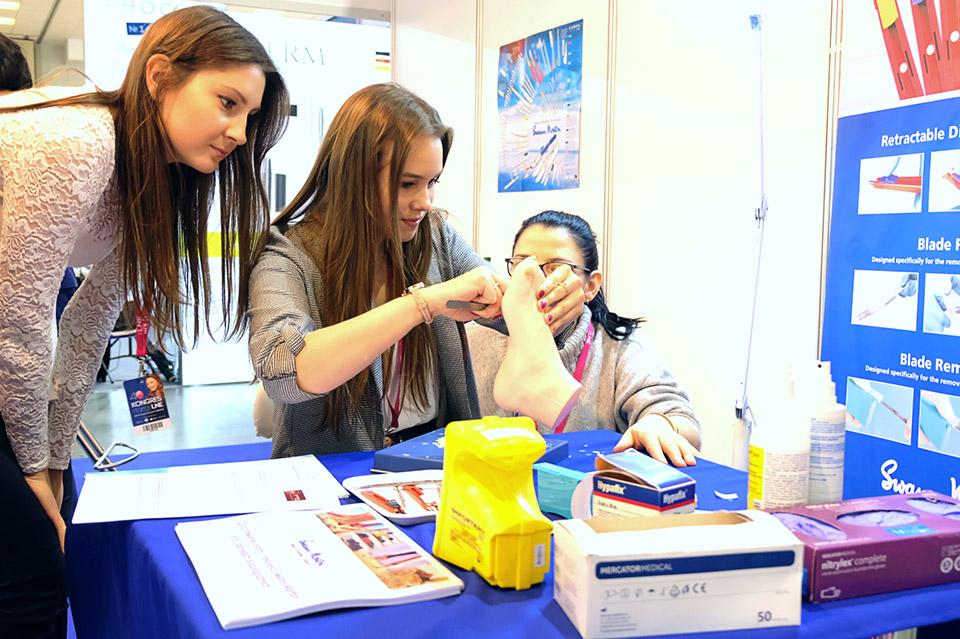 Student podiatrist with Qlicksmart BladeFLASK